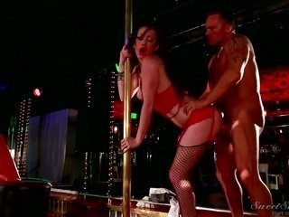 Marcus London bonks Fuck cuckoo kitty Jennifer White in her face hole as crude as possible in oralfucking maneuver