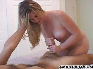 bosomy dilettante girlfriend tugjob with cumshot