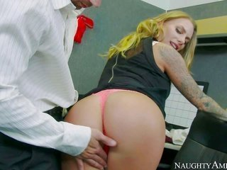 Juelz Venturas bubble arse also from beginning to end fake honkers turns on her co-worker Joey Brarse to the point of no return. this cutie catches he