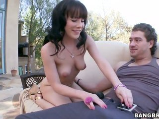 highly provoking call girl with juicy minion falls for getting her kooky hands fucked by her horny lover