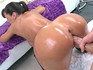 appealing MILF Lisa Ann getting fucked