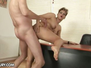 dark brown Catwoman divulges her paint the town red coz dong engulfing in blowjob action with horny fuck buddy