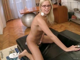 Noleta is a whore who knows what to do with Rocco Siffredi s erection
