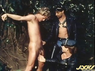 A unprotected piece of cake blonde sex-s&d slave gets pounded by two buddies.