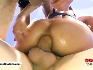 chinese lusciuos female with heavy jugs gets fucked