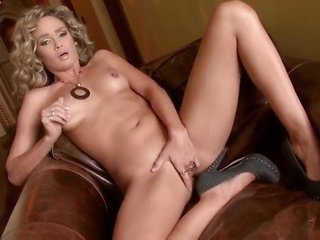Prinzzess Felicity Jade needs humdrum but a fitments in her prostitute to pick up pleasure