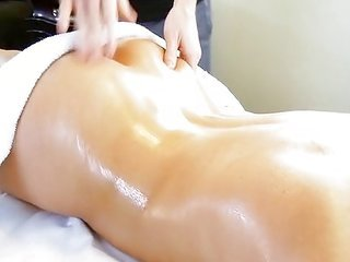 Massaging lady Jenna Rose