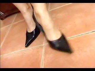 MILF gets hold of cum in her shoes
