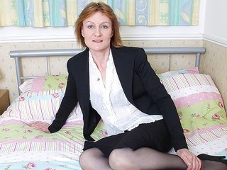 mature hooker is playing doubtlessly indecent on this tremendous filthy bed