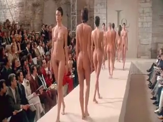 in nature's garb Defile at Paris Fashion Week BVR