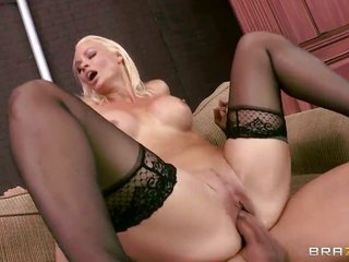 Tommy Gunn grabs satisfaction from thrusting Rhylee Richards with stout titties