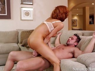 Veronica Avluv is a wench who knows what to do with Johnny Castle s erection