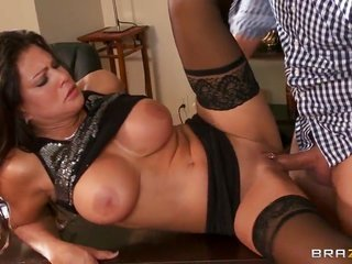 Teri Weigel with gigantic knockers as well getting laidually bizzare boy Keiran Lee having rock hard getting laid