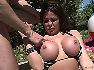 libidinous Hunter Bryce rides her pussy on this thick pussy's bestfriend