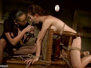 dark brown Issa Bella acquires her cookie licked many times by Mandy Bright since God knows when getting agonorgasmos